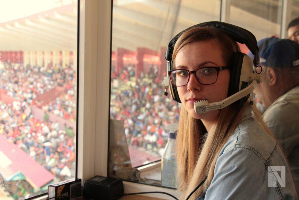 Melissa-la-única-mujer-en-Cuba-que-ejerce-sistemáticamente-la-narración-deportiva.