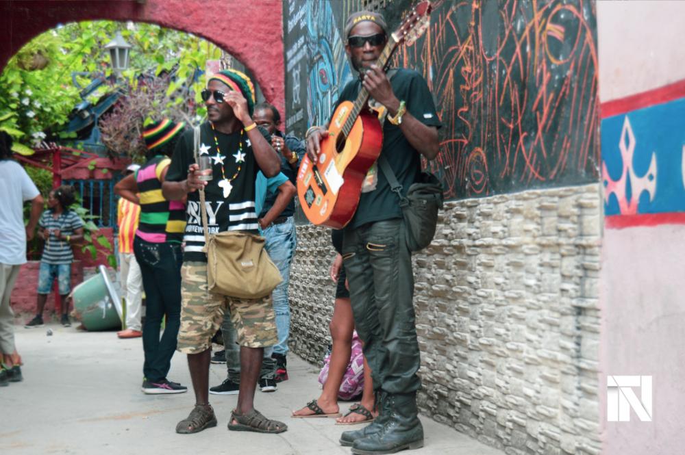 Los rastafaris habaneros se encuentran en el Callejón de Hamel, en Centro Habana.