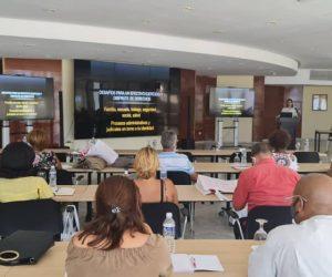 Cuba: Presentan proyecto para la atención de personas trans adultas mayores